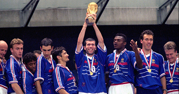 31e5023d3 A celebration of Zinedine Zidane and an amazing era for French football -  Planet Football