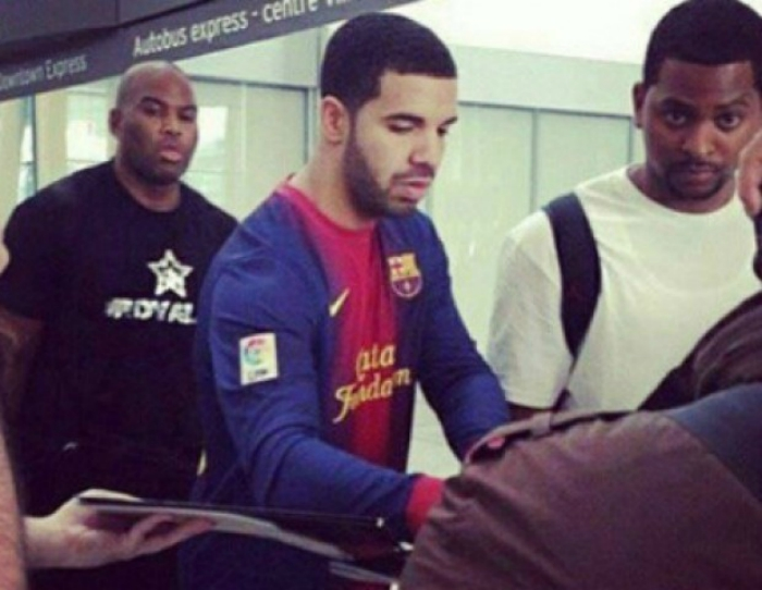 f4cb348b935 Nine times Drake has been pictured in football kits: Liverpool, Man ...