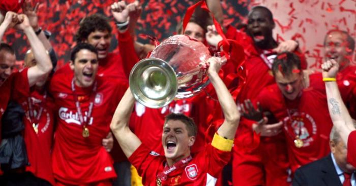 Steven-gerrard-liverpool-champions-league-trophy