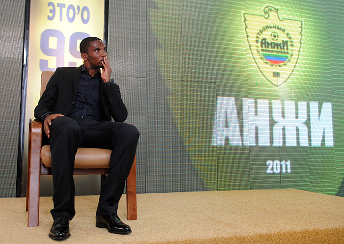 Samuel Eto'o signs for Anzhi Makhachkala - Planet Football