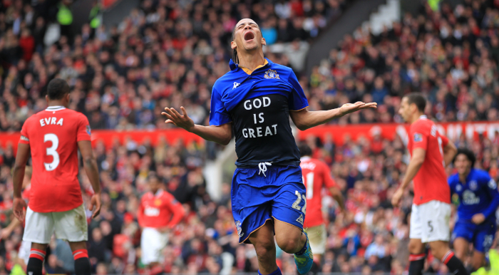 Steven-Pienaar-Everton-Manchester-United