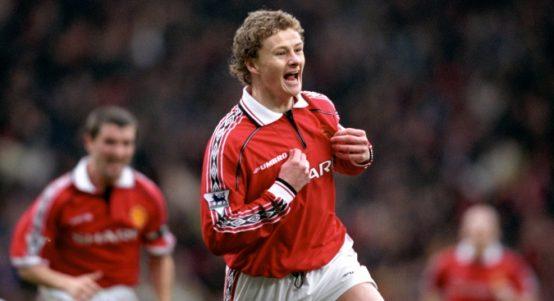 Manchester United's Ole Gunnar Solskjaer celebrates scoring goal
