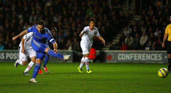 Chelsea's Frank Lampard scores penalty