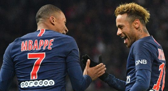 Neymar-and-Mbappe-smiles