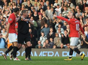 Wayne-Rooney-Fulham-red-card-Manchester-United-2009
