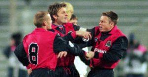 Graeme Le Saux punches punches Blackburn team-mate David Batty, 1995