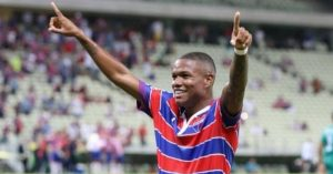Marcinho celebrates scoring goal for Fortaleza