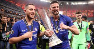 Eden Hazard and Olivier Giroud celebrate