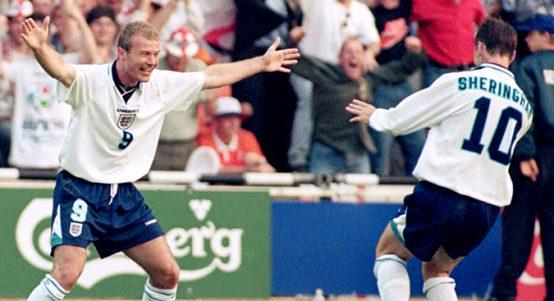 Alan Shearer and Teddy Sheringham celebrate