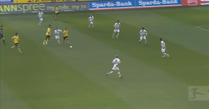 Mario Gotze scores v Hannover