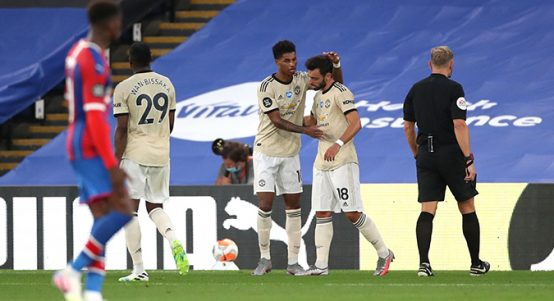 Marcus Rashford and Bruno Fernandes celebrate