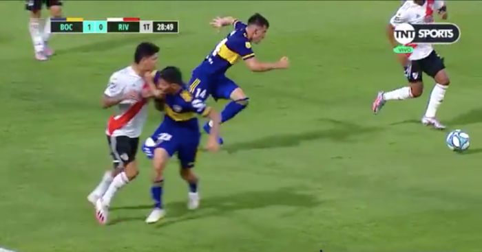 No fans, but Boca v River still set the standard for sh*thousery thumbnail