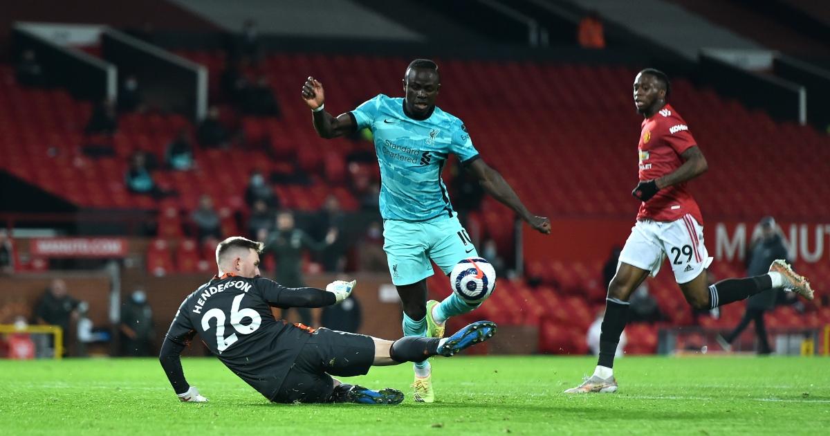 Watch: Liverpool's Sadio Mane refuses to shake the hand of Jurgen Klopp - Planet Football
