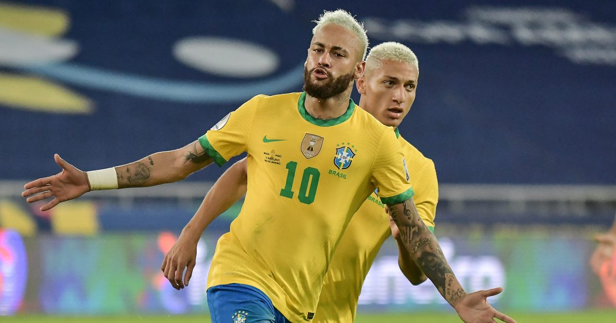 Neymar treating the Copa as a game of FIFA Street, as three tacklers found out - Planet Football