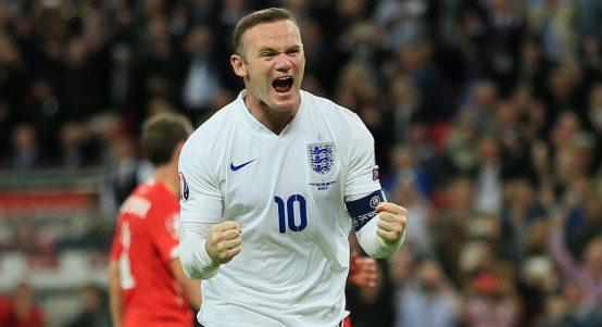 Wayne Rooney celebrates after breaking Bobby Chalrton's England goal record. September 2015.