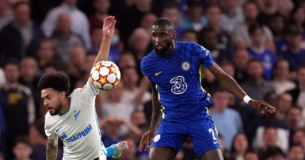 Antonio Rudiger heads the ball