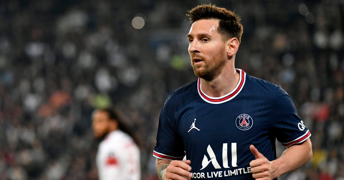 Watch: Lionel Messi hits the bar with swerving free-kick on PSG home debut - Planet Football