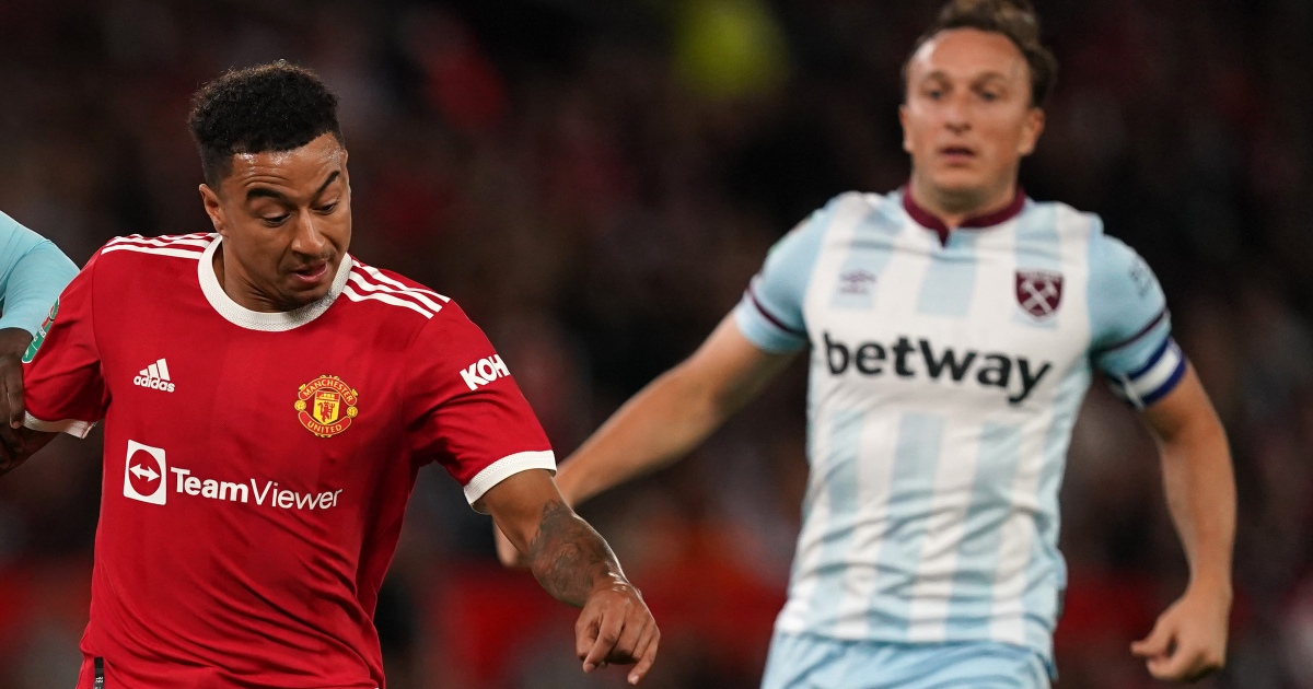 Watch: Strong Man Utd penalty appeal denied after Noble pulls down Lingard - Planet Football
