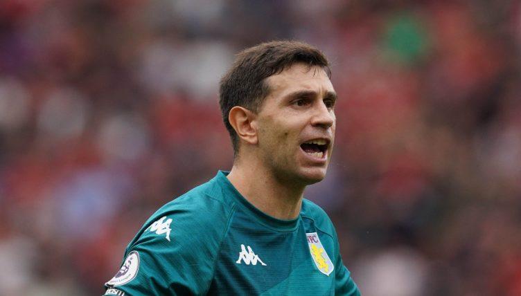 Emiliano Martinez saves penalty Ronaldo Fernandes Man Utd