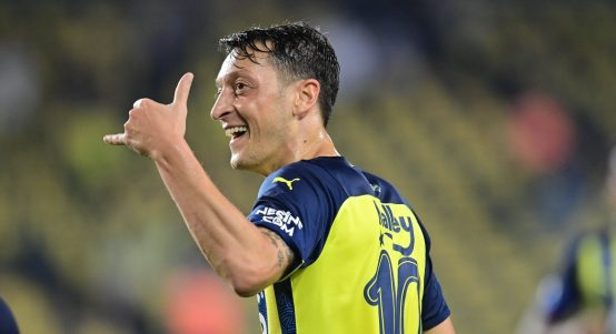 Mesut Ozil playing for Fenerbahce in August 2021.