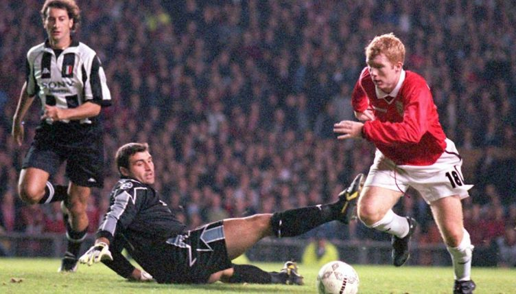 Paul Scholes playing for MAnchester United against Juventus at Old Trafford. October 1, 1997.