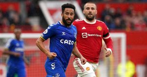 Andros Townsend playing for Everton vs Manchester United - October 2021