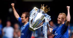 Chelsea's Arjen Robben and Damien Duff lift the Premier League trophy, May 2005.