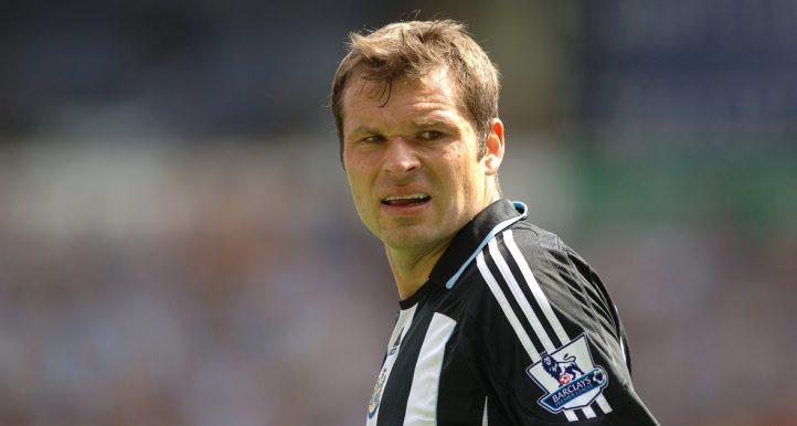 Newcastle United's Mark Viduka playing against Bolton.