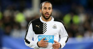 Andros Townsend warms up in Newcastle's training kit. 2016.