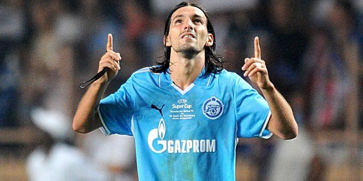 丹尼庆祝2008年9月圣彼得堡泽尼特队对曼联的进球。
