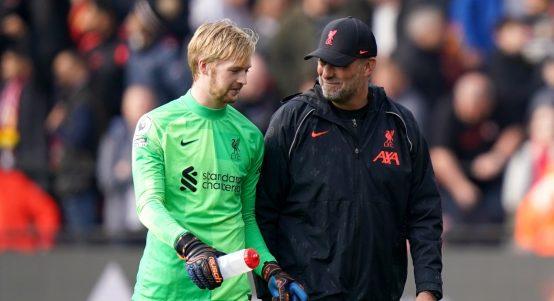Caoimhin Kelleher talks with Jurgen Klopp after Liverpool win.