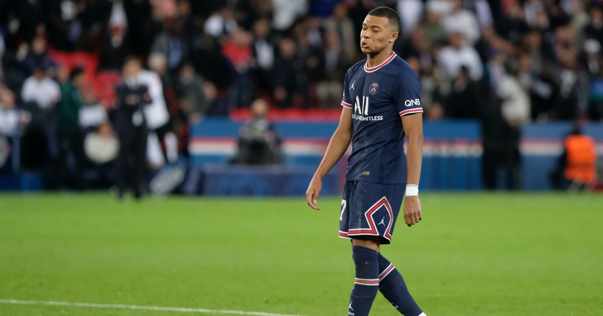 Watch: Lionel Messi denied first PSG hat-trick after Mbappe skies penalty - Planet Football