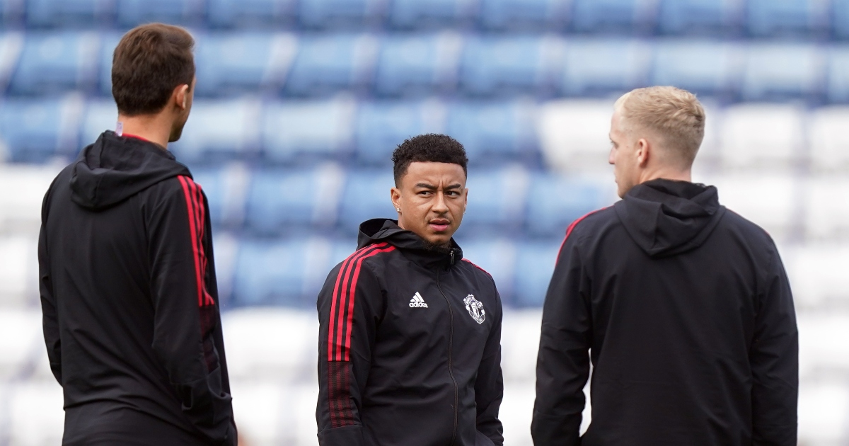 Watch: Lingard says 'I'm not on the pitch' after stick from Man Utd fans - Planet Football