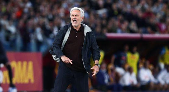 Mourinho sent off for Roma