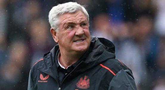 Steve Bruce managing Newcastle United in August 2021.